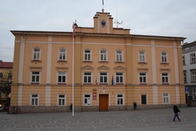 Z powodu koronawirusa i wysokiej absencji pracowników Urząd Miejski w Przemyślu zmienił zasady działania.