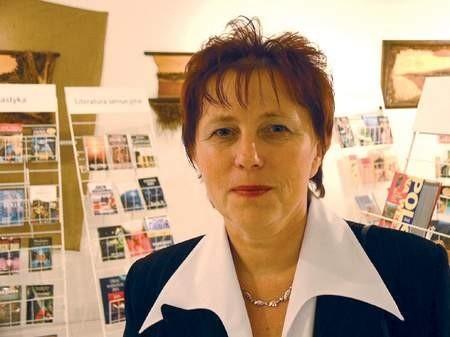 Organizatorka wystawy Helena Legowicz, prezes Stowarzyszenia Przyjaciół Polskiej Książki i szefowa polskiej biblioteki w Karwinie. Fot. W. Trzcionka