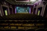 Na co iść do teatru we wrześniu? Polecamy najlepsze spektakle rozrywkowe