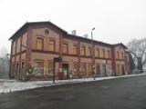 Dworzec PKP w Żorach: Zrujnowany budynek zostanie odnowiony za 13 mln zł [ZDJĘCIA]