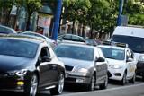 Taksówkarze na dzisiaj zapowiadają protest. Kolumny samochodów przejadą przez warszawskie ulice