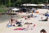 Gorąco nad wodą w Parku Lisiniec. Można się już opalać i kąpać pod okiem ratowników