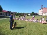 Policjanci w przedszkolu w Dziemianach. Uczyli najmłodszych, jak latem dbać o bezpieczeństwo