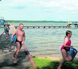 Plaża WOPR w Człuchowie - urokliwe miejsce do kąpania w środku lasu