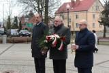 Dzień Pamięci Żołnierzy Wyklętych w Chodzieży: Kwiaty pod pomnikiem