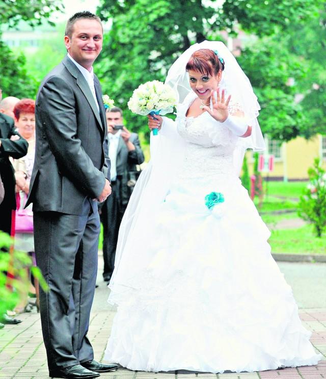 Anna i Michał Cajcowie w czasie ślubu zbierali maskotki dla dzieci z domu dziecka