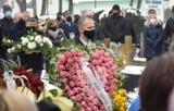 Malbork. Bogdan Kułakowski spoczął na Cmentarzu Komunalnym [ZDJĘCIA]. Tłumy żegnały wieloletniego samorządowca