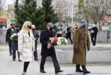 Obchody powrotu Pruszcza do Macierzy. W 76. rocznicę mieszkańcy złożyli symboliczne kwiaty |ZDJĘCIA
