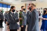 Święto Policji w Elblągu. Funkcjonariusze odebrali awanse i odznaczenia