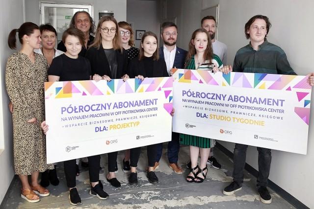 W czwartek, podczas uroczystości z udziałem m.in. prof. Jolanty Rudzkiej-Habisiak, rektor ASP, oraz Michała Stysia, dyrektora zarządzającego OPG Property Professionals, studenci otrzymali klucze od pracowni