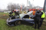 Ferrari za ponad milion rozbite na al. Mickiewicza ZDJĘCIA