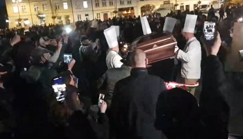 W czwartek (29 października) na Starym Rynku w Bydgoszczy...