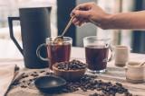 Kawa z masłem na odchudzanie! Jakie właściwości ma kawa kuloodporna? Czy bulletproof coffee jest zdrowa?