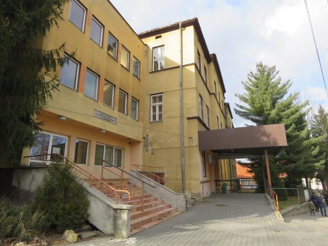 Opuszczone szpitalne pawilony przy ul. Karmelickiej w Wadowicach