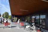 Nowy market w Szczecinku. Otwarcie sklepu przyciągnęło tłumy [zdjęcia]