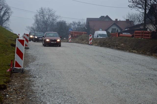 Ulica Armii Krajowej w Bochni znów przejezdna po przebudowie