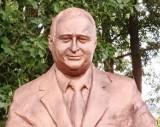 W Uzdrowisku Dąbki stanął pomnik Przemysława Gosiewskiego ZDJĘCIA