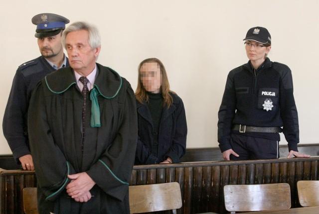 Pilnowana przez policję Ewa O. przyjęła wyrok spokojnie