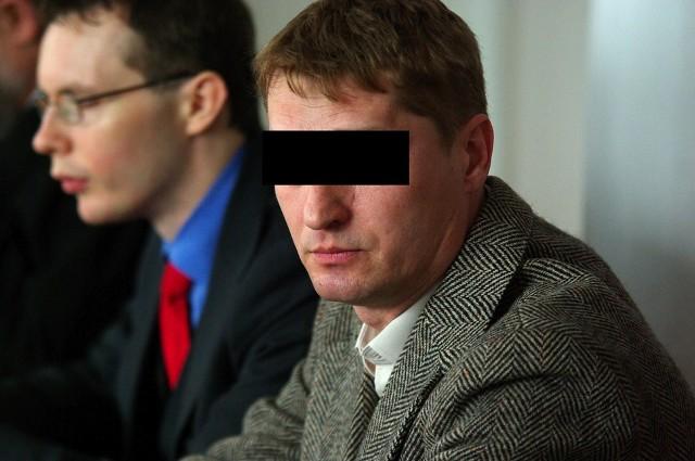 0skarżony Piotr K. ( z prawej) w trakcie procesu w sądzie
