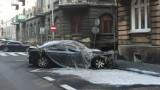 Pożar w Kaliszu. Luksusowe BMW poszło z dymem. Ponad 100 tysięcy złotych strat. FOTO