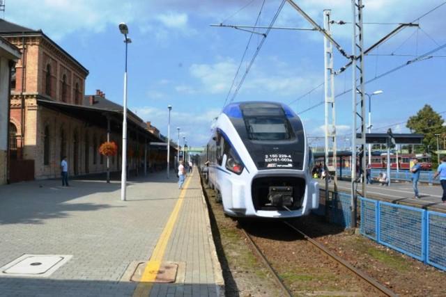 Stacja Bielsko-Biała Główna. Aktualnie nie ma możliwości dostać się stąd pociągiem do Cieszyna - połączenia zlikwidowano w 2009 r.