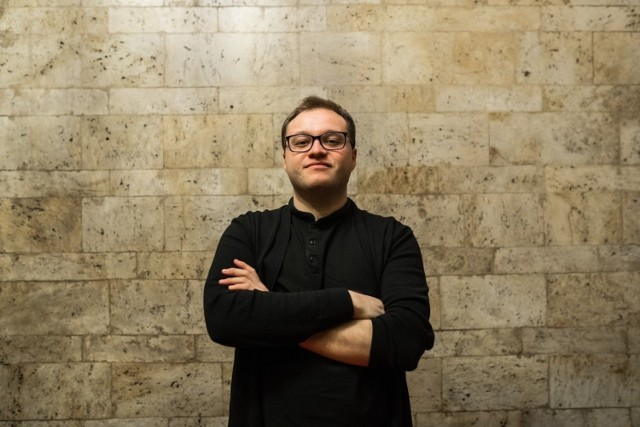 MUZYKA ROZRYWKOWA:  Piotr Scholz Gitarzysta, kompozytor, dyrygent, aranżer. Twórca jednej z pierwszych w Poznaniu orkiestr jazzowych – Poznań Jazz Philharmonic Orchestra, cieszącej się coraz większą popularnością.