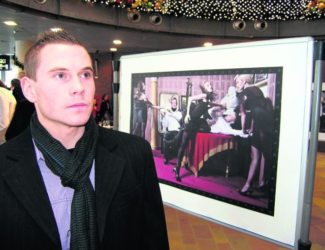 Damian Chmiel jest jednym z bohaterów kalendarza
