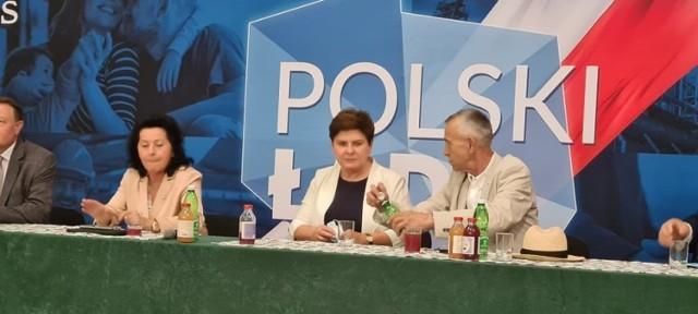 Beata Szydło podczas spotkania z mieszkańcami w miejscowości Łącko koło Nowego Sącza.