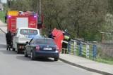 Topielec w rowie melioracyjnym w Gorzkowicach przy ul. Warszawskiej. Strażacy wyciągnęli ciało mężczyzny