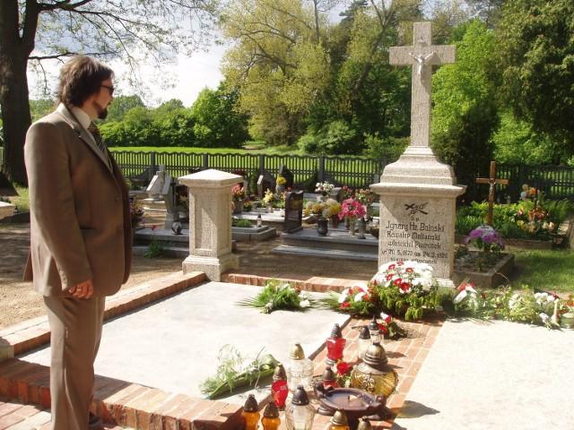 Sołtys Wojciech Walkowiak jest dumny z nowego grobowca hrabiego Bnińskiego