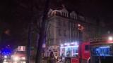 Pożar kamienicy w Bytomiu. Spaliła się część dachu budynku ZDJĘCIA