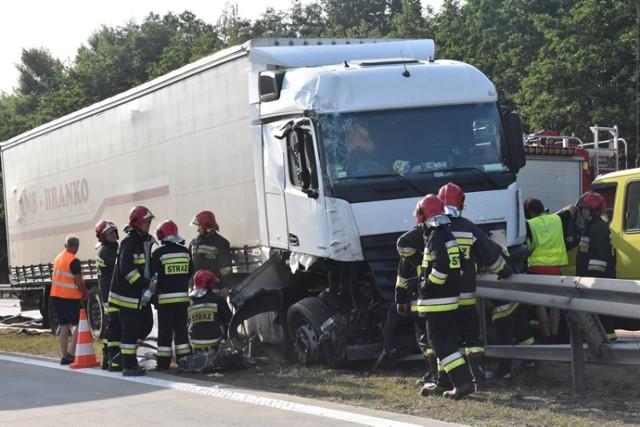 Wypadek na autostradzie A4, ranny kierowca