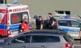Rybnik: Atak w Popielowie. Mężczyzna wymachiwał nożami. Policja użyła środków przymusu bezpośredniego ZDJĘCIA