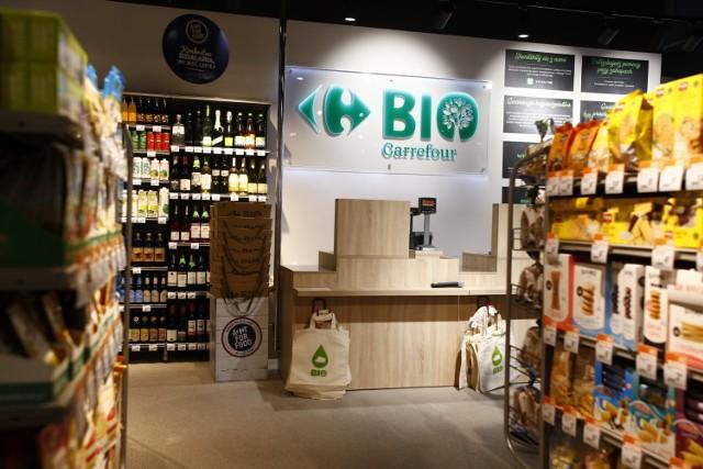 Pierwszy w Polsce Carrefour BIO już otwarty. Warszawiacy mogą kupować żywność ekologiczną w przystępnych cenach
