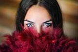 Kolor oczu a osobowość. Jakimi cechami charakteru mogą się pochwalić ludzie o niebieskich, zielonych czy piwnych oczach?