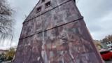 Zielona Góra. Ten mural przypomina nam o wydarzeniach z 1960 roku. Prawda, że jest niesamowity?!