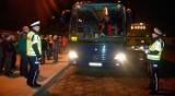 Policja kontroluje autobusy, które zawiozą dzieci na ferie zimowe