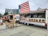 Rozpoczął się zlot food trucków na rynku w Katowicach. Wydarzenie potrwa trzy dni