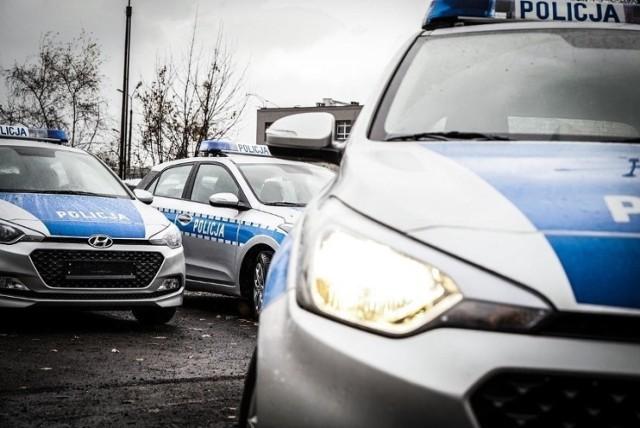 Bydgoski strażak miał siłą wciągnąć do samochodu dwóch ukraińskich chłopców. Jeden z nich ma złamaną nasadę nosa...