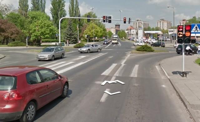 Dlaczego po opadach ciągle zalewane jest skrzyżowanie ulic Sobieskiego i Roosevelta?