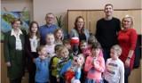 Dzień Sołtysa w Zespole Szkolno- Przedszkolnym w Mieroszynie. Sołtys Wojciech Parchem opowiedział uczniom o swojej pracy