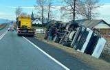 Kanina. Wicher wywrócił dwukrotnie tę samą ciężarówkę na drodze krajowej nr 28