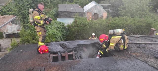 Strażacy gasili pożar w budynku jednorodzinnym przy ul. Nad Groblą w Chełmnie