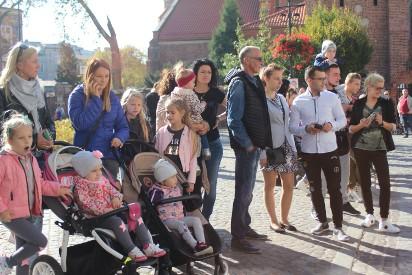 Uroczysta parada motocyklowa przejechała ulicami Gniezna na zakończenie sezonu motocyklowego! [zapraszamy do naszej galerii zdjęć]