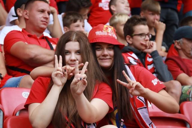 Kibice Widzewa Łódź na meczu z Sandecją Nowy Sącz