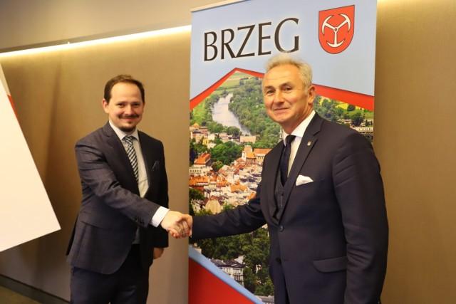 Spotkanie burmistrza Brzegu i Konsula Generalnego Węgier w Krakowie.