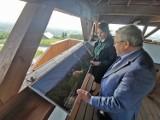 Nowe atrakcje na wieżach widokowych w Czarnorzekach i na Cergowej. Turyści mogą podziwiać niezwykłe widoki na Tatry i Bieszczady