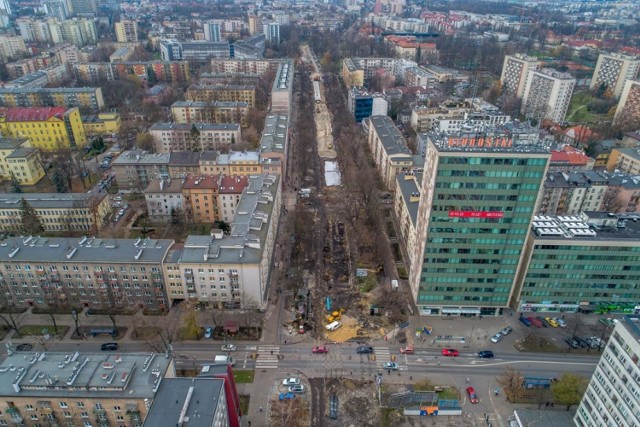 Kraków. Przebudowa ulicy Królewskiej z wielkim rozmachem [ZDJĘCIA Z DRONA]