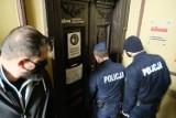 Likwidator z policją w Dzienniku Wschodnim. Dziennikarze wyrzuceni z redakcji. Zobacz wideo i zdjęcia
