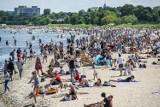 Rusza sezon plażowy w Trójmieście. Kąpielisko w Sopocie otwarte, na Gdańsk i Gdynię jeszcze poczekamy. Trwa rekrutacja ratowników WOPR